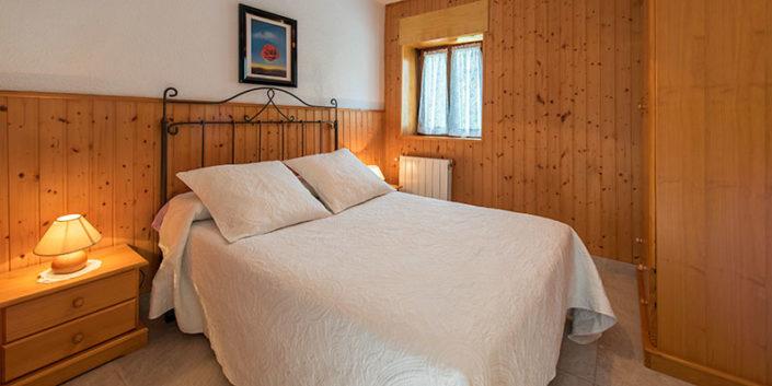 Habitación de apartamentos vacaciones en Cantabria