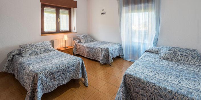 Habitación de apartamentos rurales de vacaciones en Cantabria