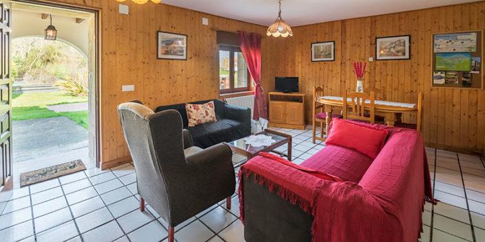 Salón apartamento turístico en Cantabria